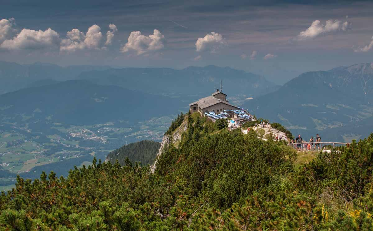 Das Kehlsteinhaus in Berchtesgaden mit Panoramablick ins Tal