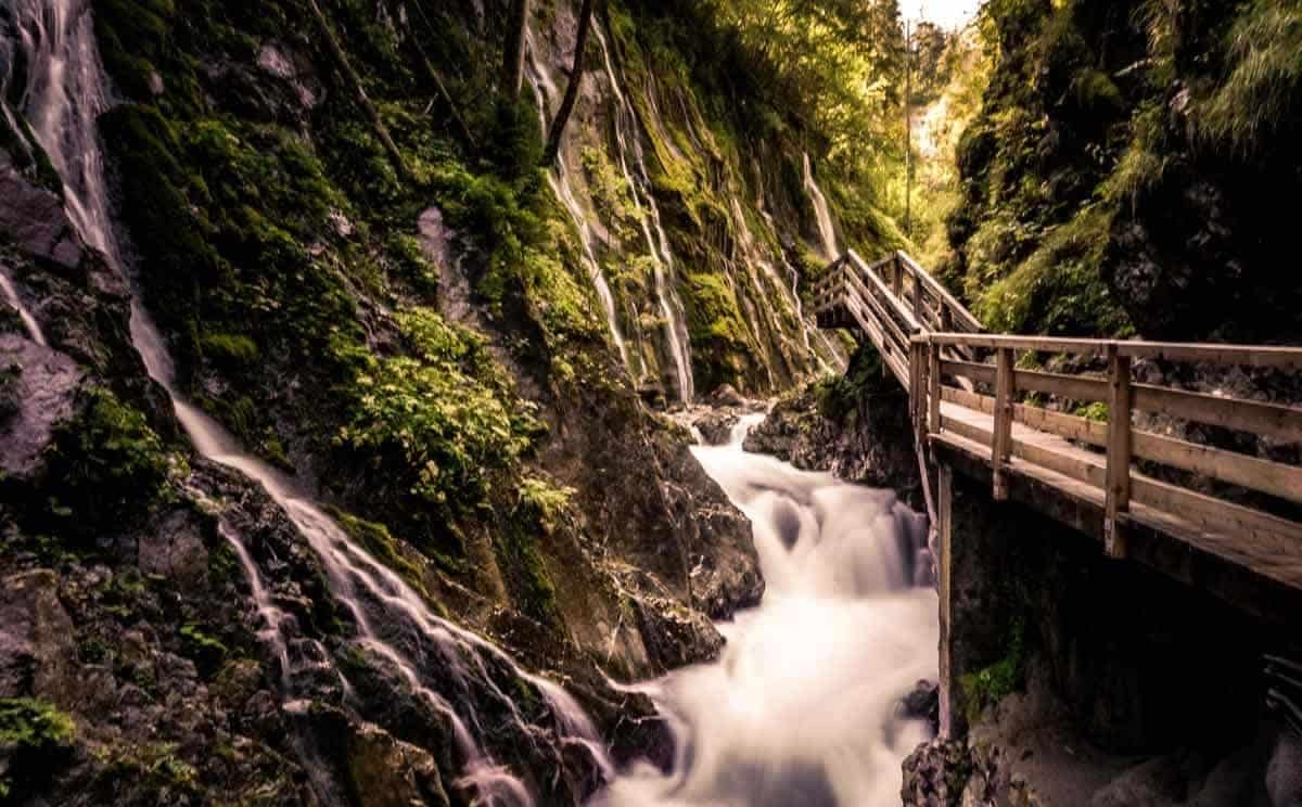 Tosendes Wasser in der Wimbachklamm bei Berchtesgaden
